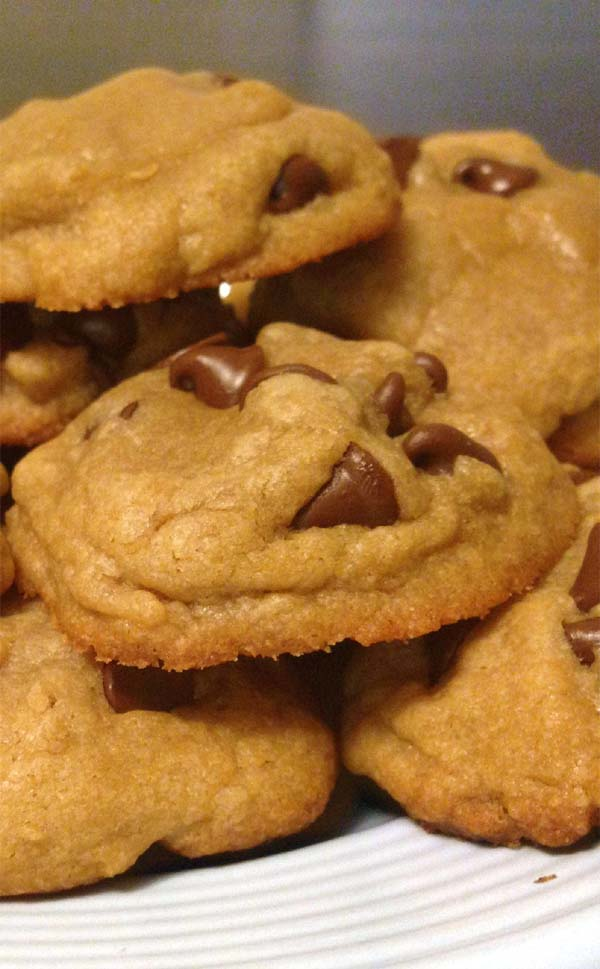 Easy Homemade Chocolate Chip Cookies. Recipe from scratch.
