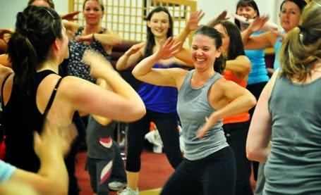 Aerobic atau Zumba yang Efektif Turunkan Berat Badan?
