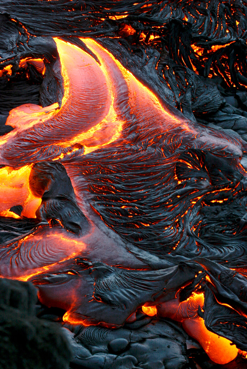 HAWAIIAN LAVA DAILY: The lava continues flowing down south ...