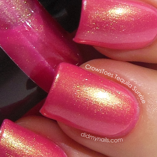 CrowsToes Tequila Sunrise swatch macro