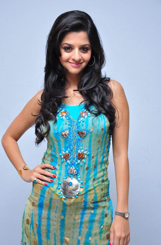 Vedika in Beuatiful Light Blue Sleeveless Kurta and Denim Jeans Spicy Pics