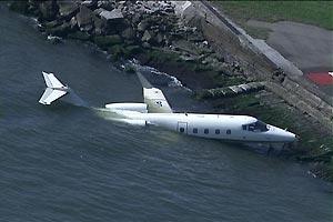 Indonésia: Avião que caiu no mar levava 27 pessoas, todas morreram