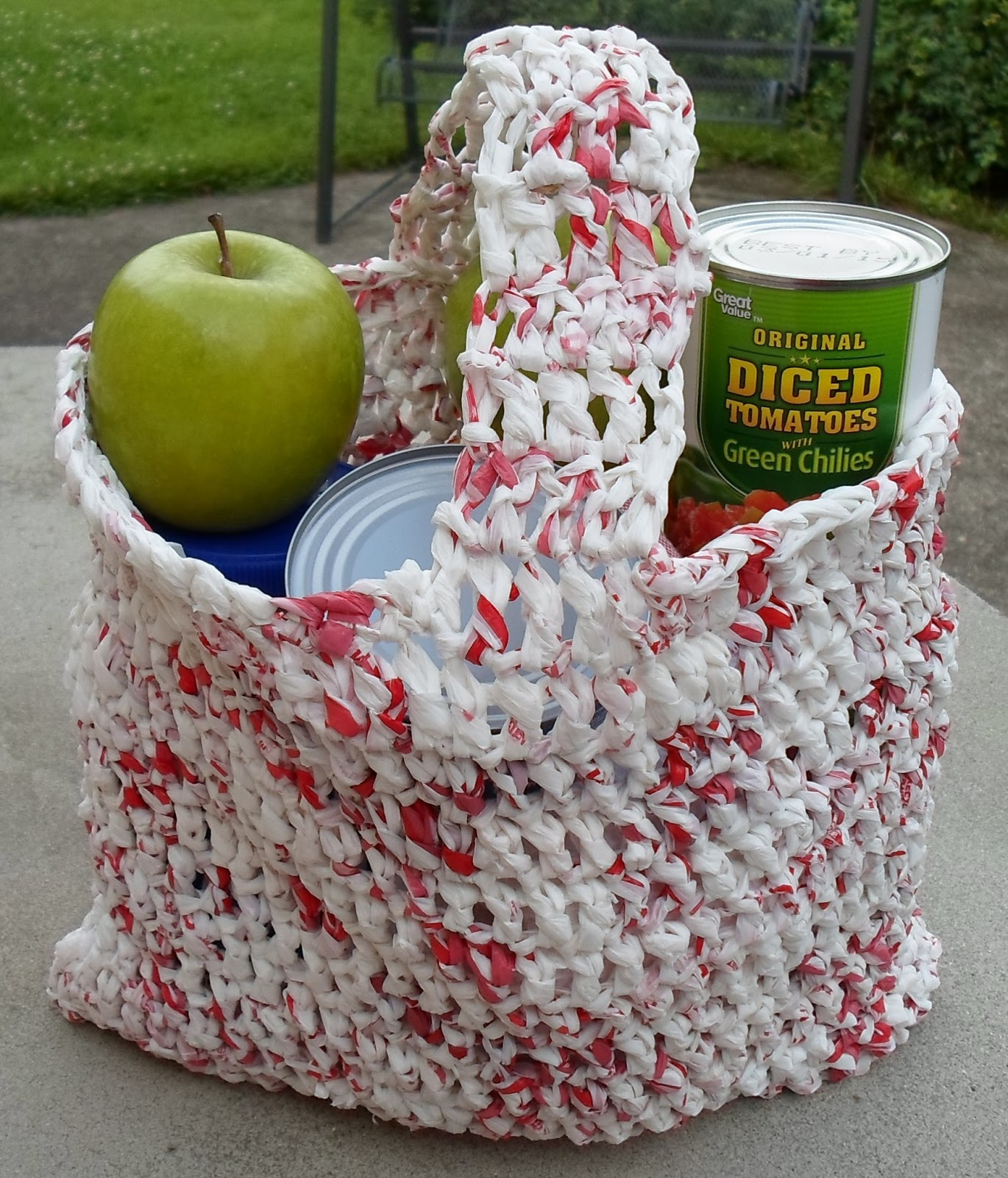 Crocheting With Plarn : Happier Than A Pig In Mud: Plarn Shopping Bag-Recycling with Crochet