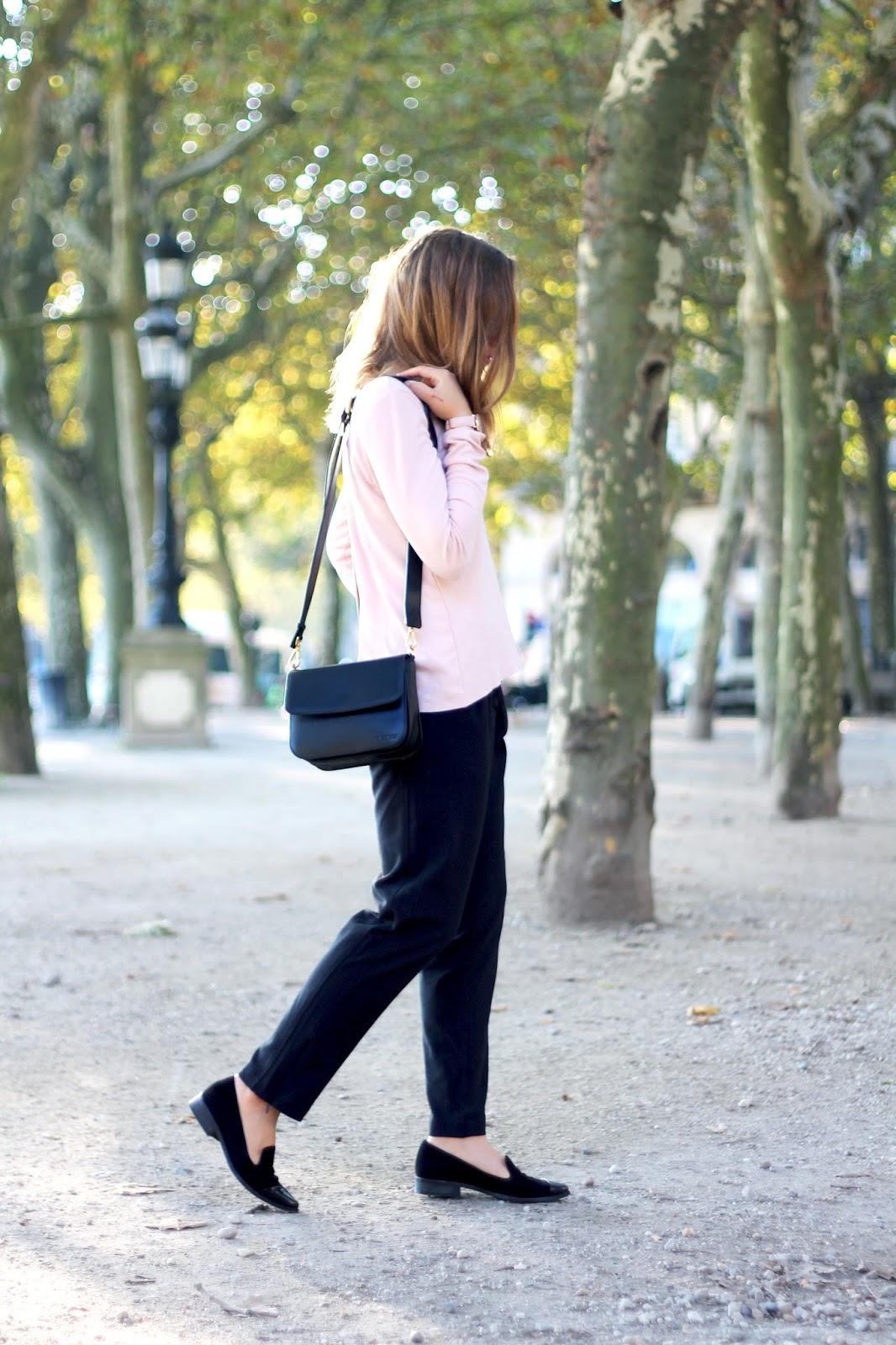pantalon noir fluide chic