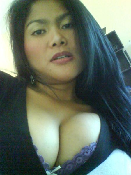 Beautiful Aunt With Sexy Plump Breast Photos