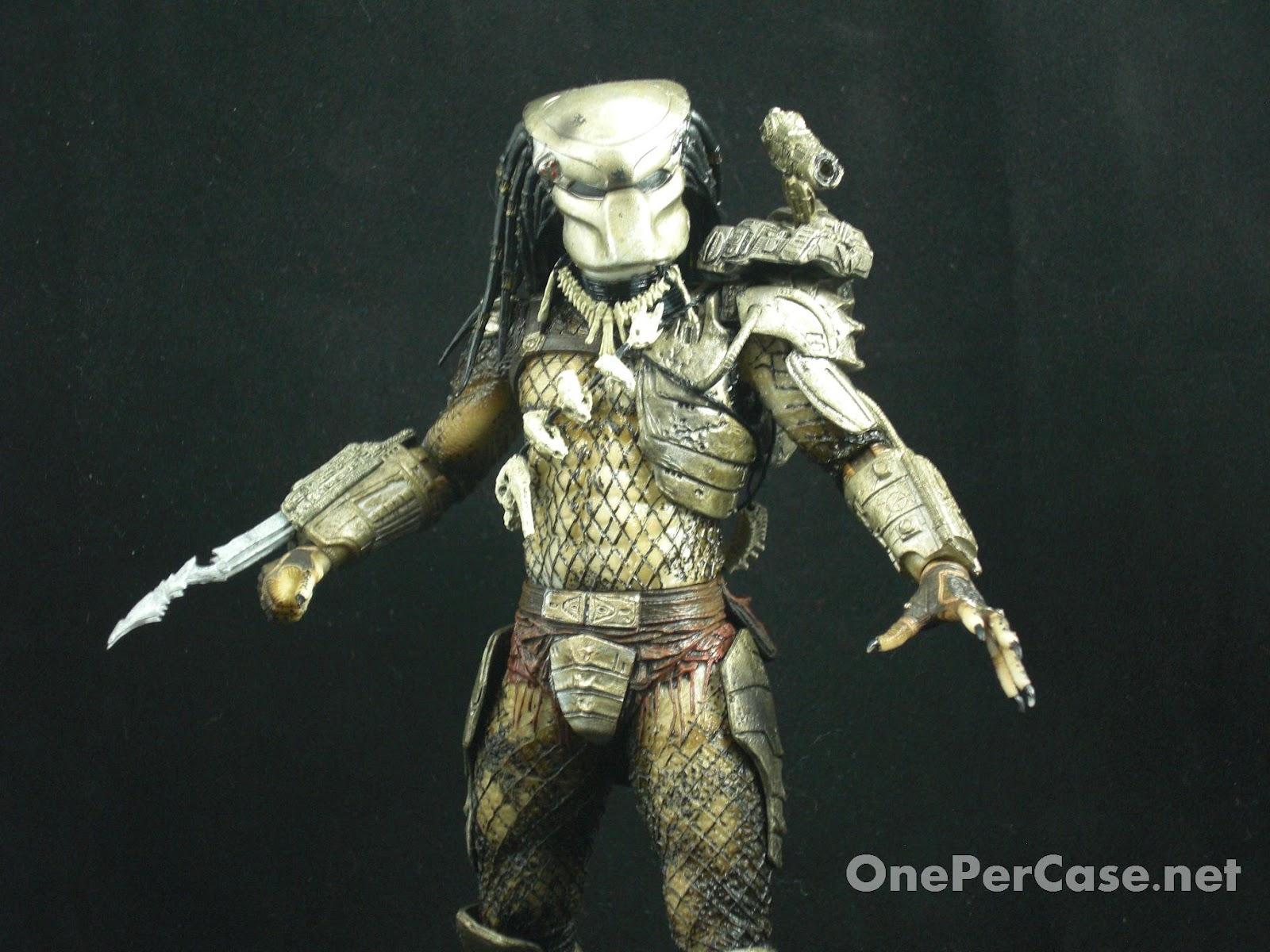 Predator Toys R Us : One per case cloaked classic predator neca toys r us