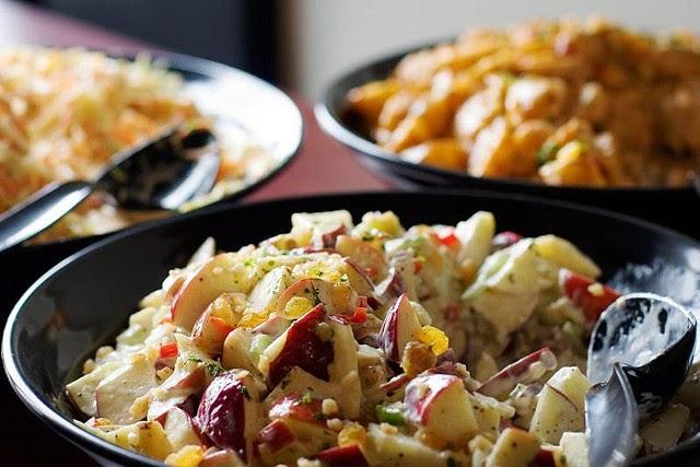 Street food cuisine du monde recette de salade waldorf pommes noix c leri fromage chou - Un chinois en cuisine ...