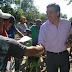 El senador Gonzales visitó el asentamiento Libertad