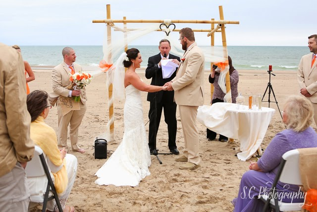 beach wedding ceremony, arbor