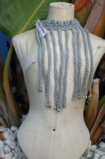 gargantilla algodón y metal