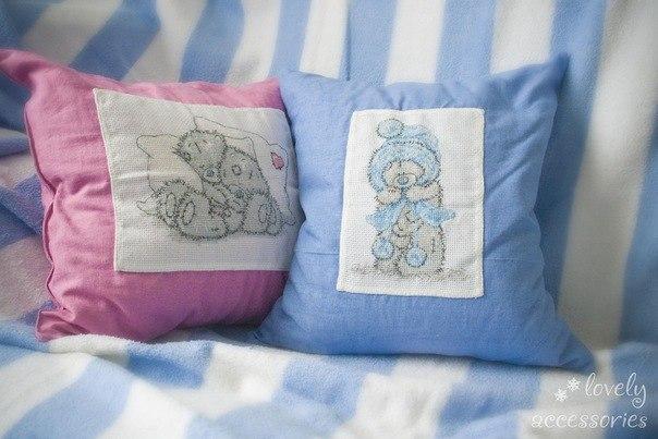 Сшить декоративную подушку с вышивкой