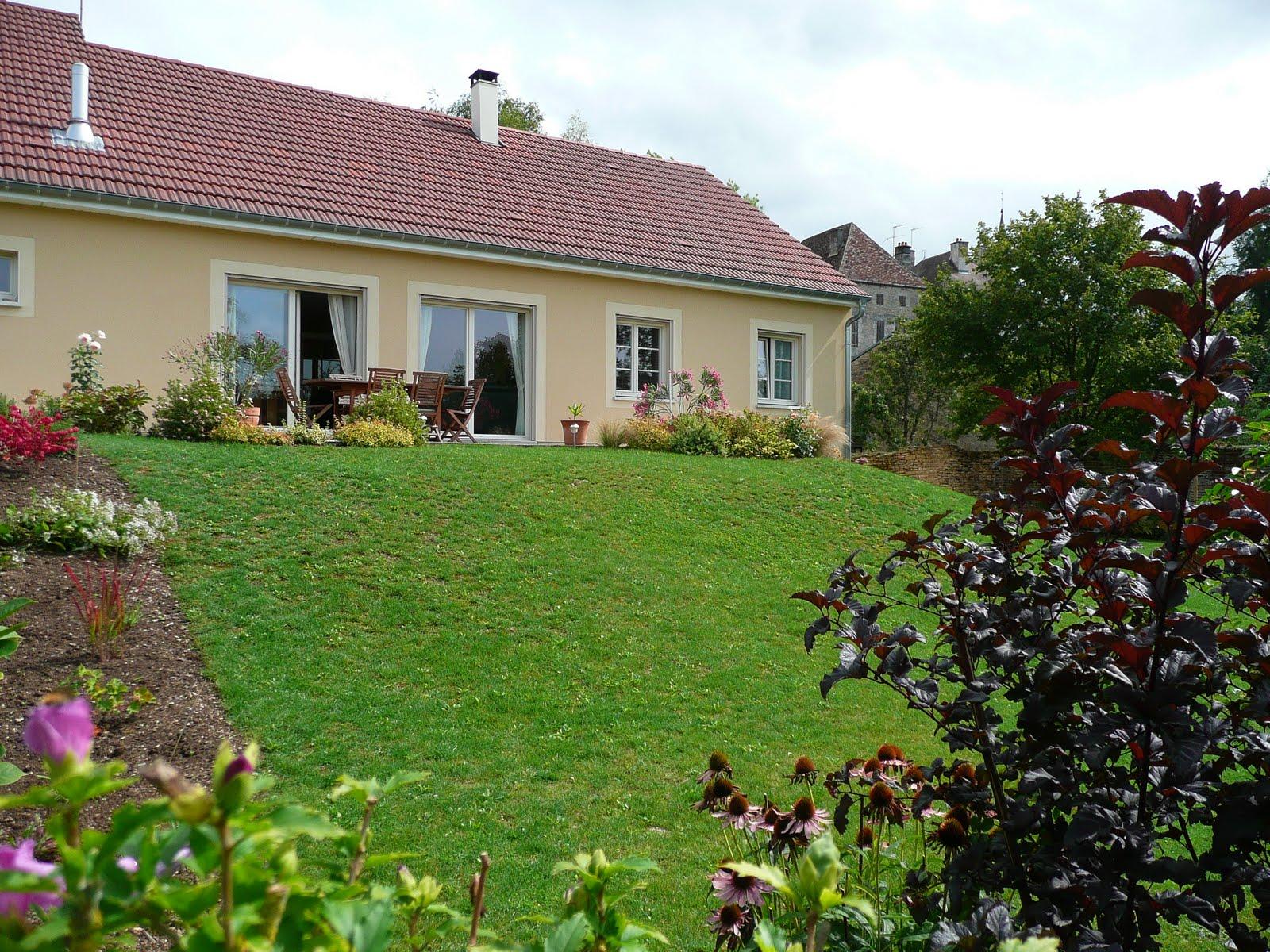 Notre jardin secret doucement mais surement - Jardin dans une maison poitiers ...