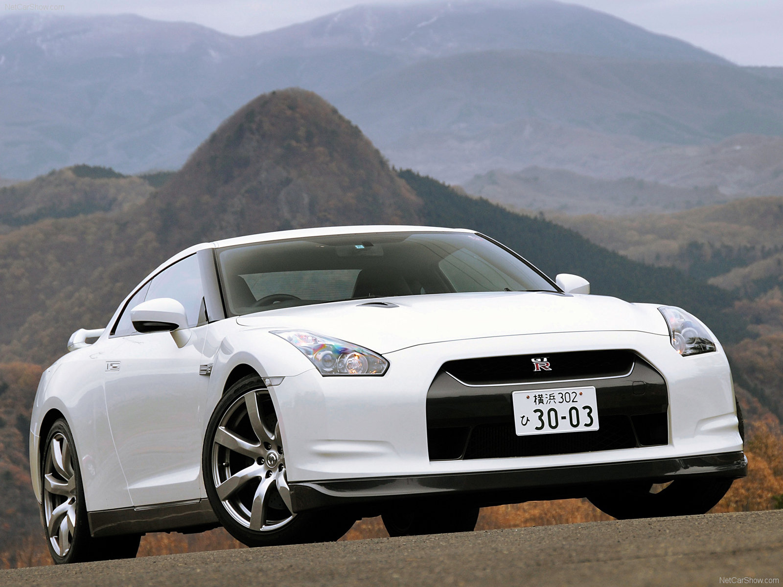 Car Wallpapers : Nissan GT-R Wallpapers