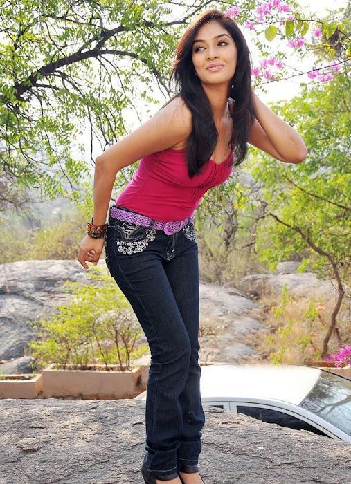 rithika actress pics