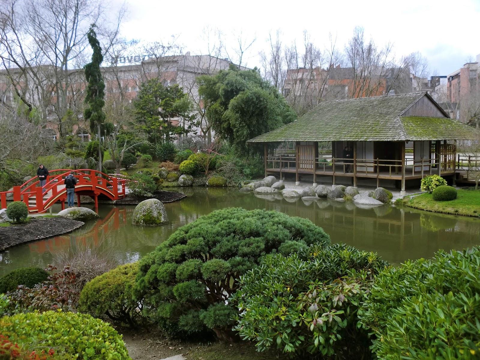 Furgoneta azul jard n japones en toulouse for O jardin gourmand toulouse