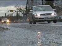 merawat mobil di musin hujan
