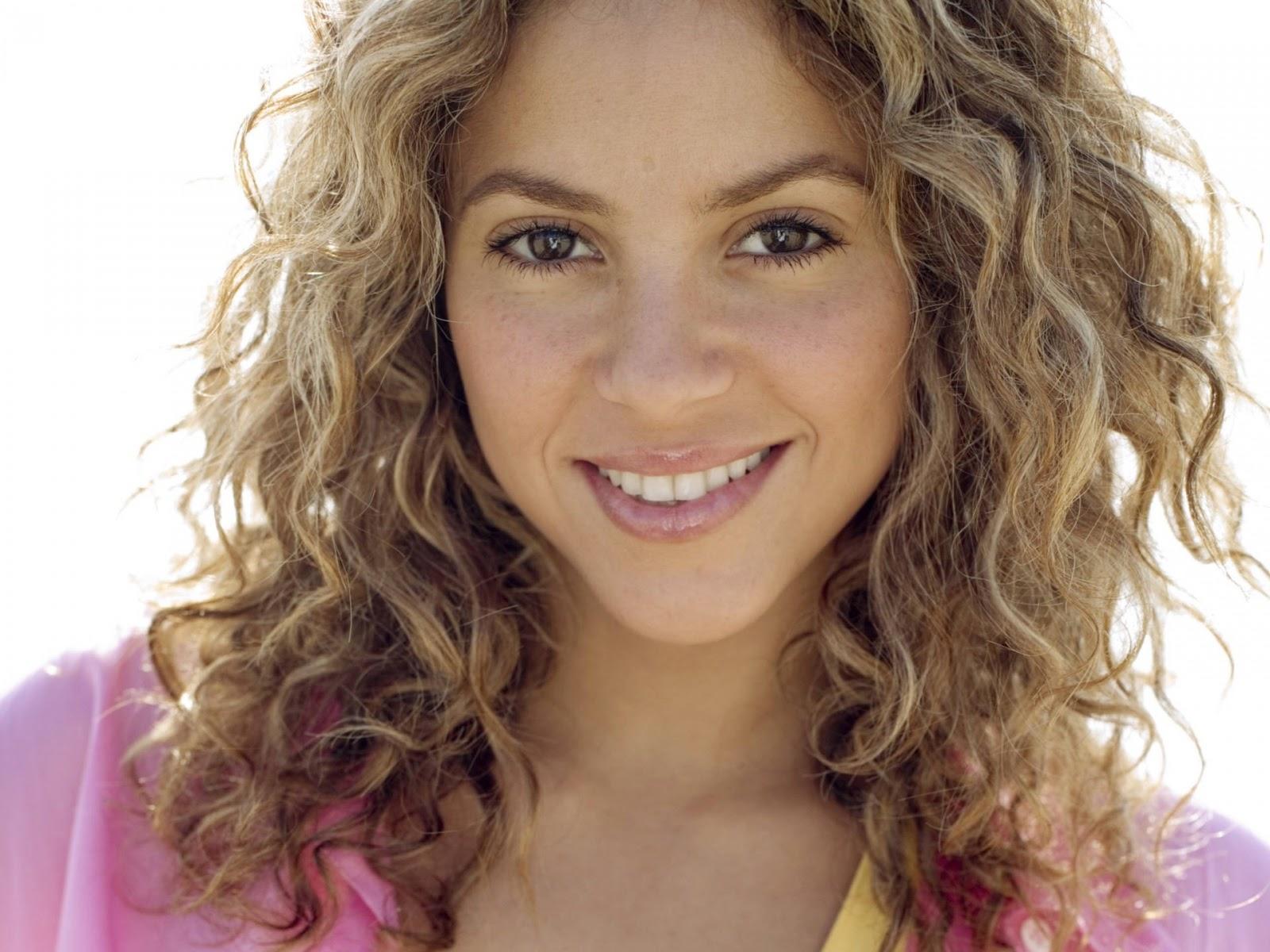 Shakira Hot Colombian Singer And Dancer Hd Wallpaper 2015