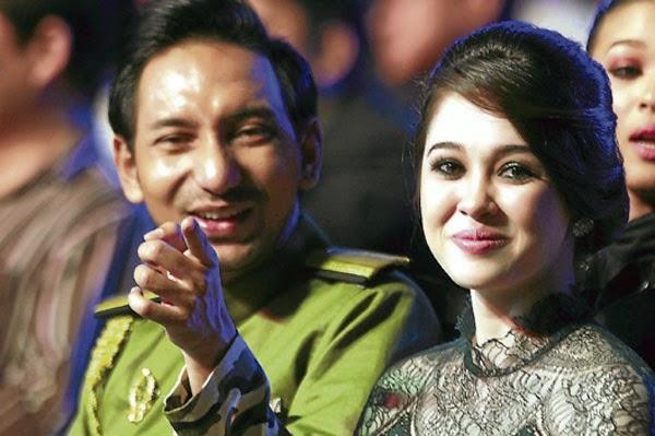 Percintaan Zizan Razak Emma Maembong Pulih