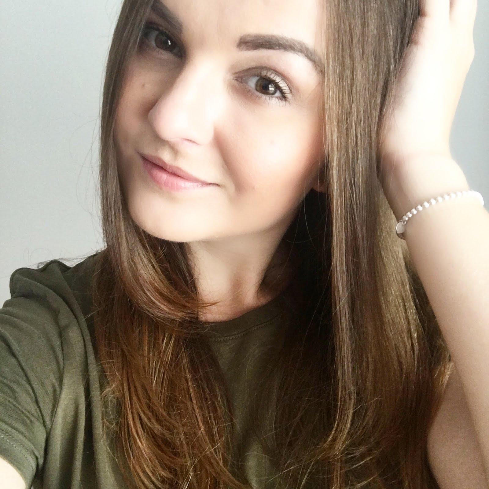 fashion, beauty & lifestyle blogger