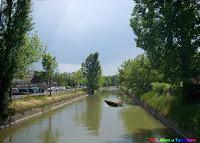 Cu barca pe Canalul Turbinei