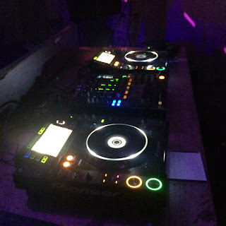 DJ, decks, turntable