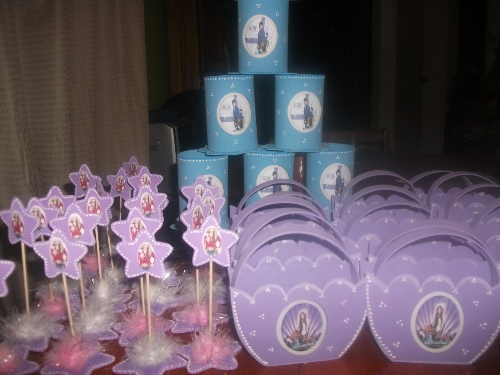 que he hecho souvenirs y los dulceros o sorpresas para niño o niña