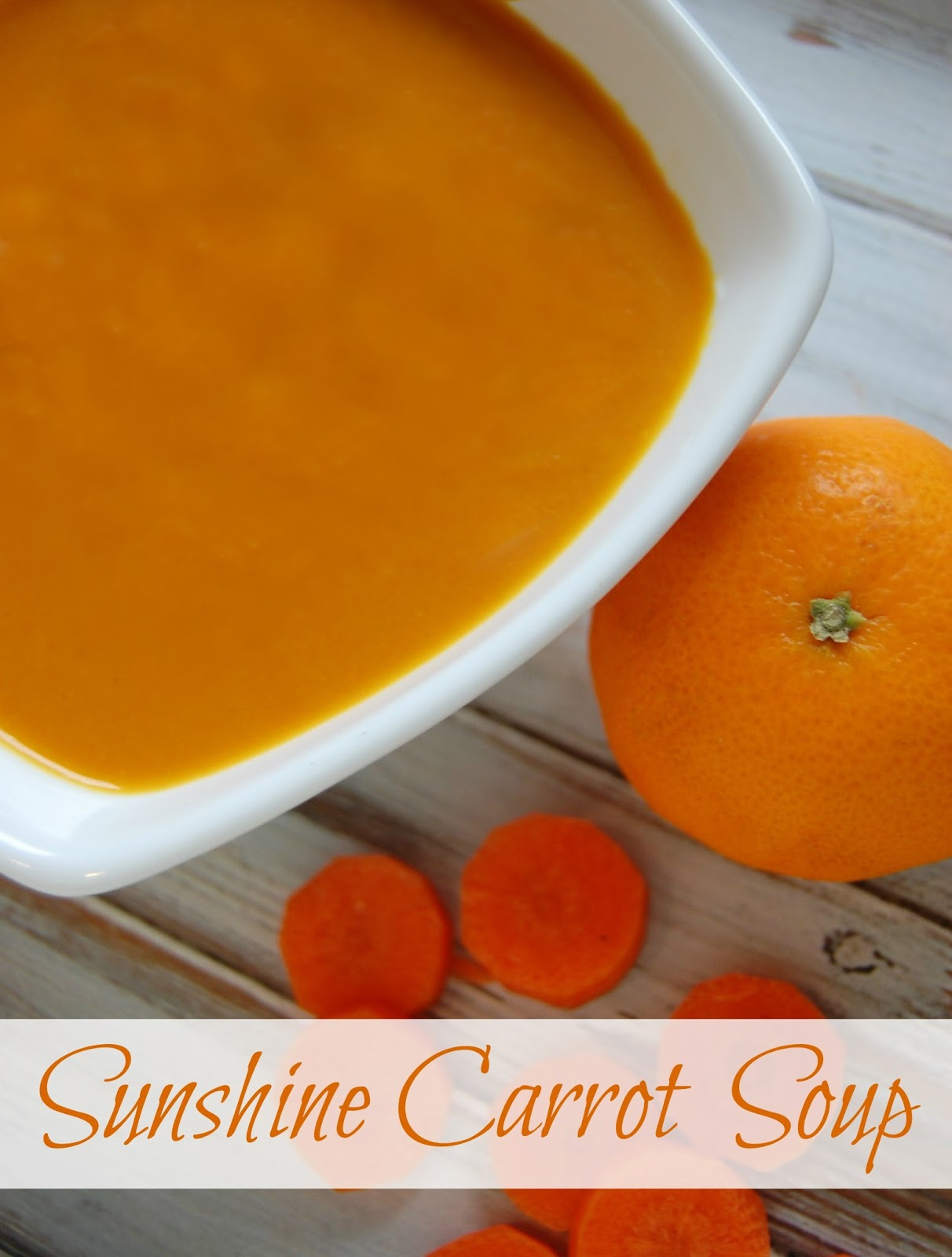 Sunshine Carrot Soup - Carrot soup with the kick of ginger and sweetness of orange! #soup #carrotsoup #realfood