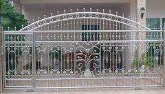 งาน ประตูสแตนเลสแบบโปร่ง อุปกร์สีทอง