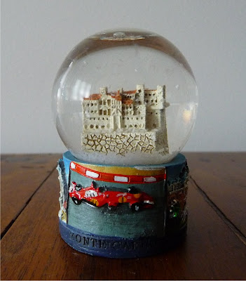 Palle di neve, Boule à neige, Snow globe, Globos de nieve