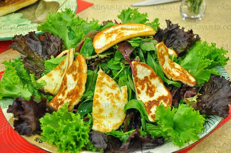 Hellimli Yeşil Salata Tarifi Kolay Yapımı