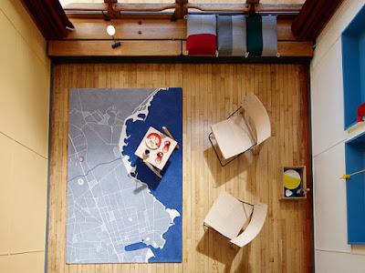 Apartment No. 50 in Marseille von Schweizer ECAL Designstudenten neu gestaltet - Teppich im Le Corbusier Design