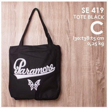 jual online tote bag pria logo grup band paramore bahan kanvas harga murah (paramoore, vogue, 99, banana, fourmarch)