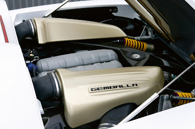 porsche-carrera-gt-mirage-gt-white-gold-edition-engine
