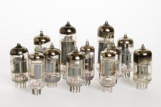 vacuum tube komputer generasi pertama
