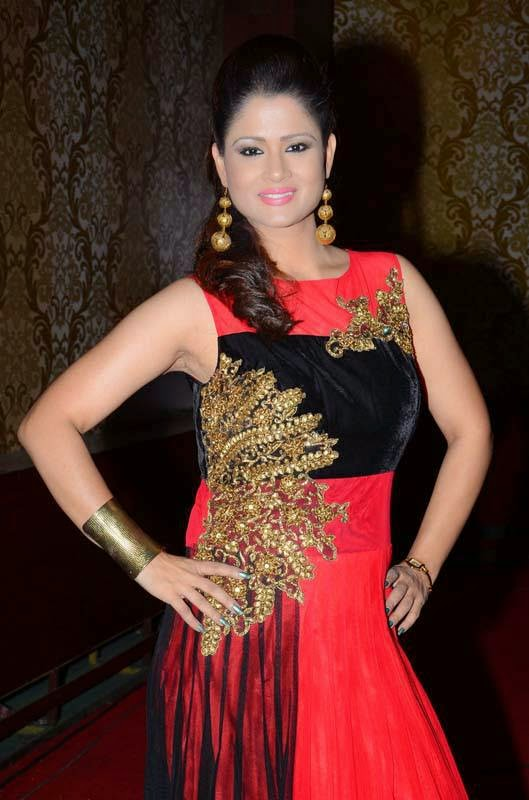 Anchor Shilpa Chakravarthy Latest Cute Hot Red Sleeveless Frock Spicy Photos Gallery