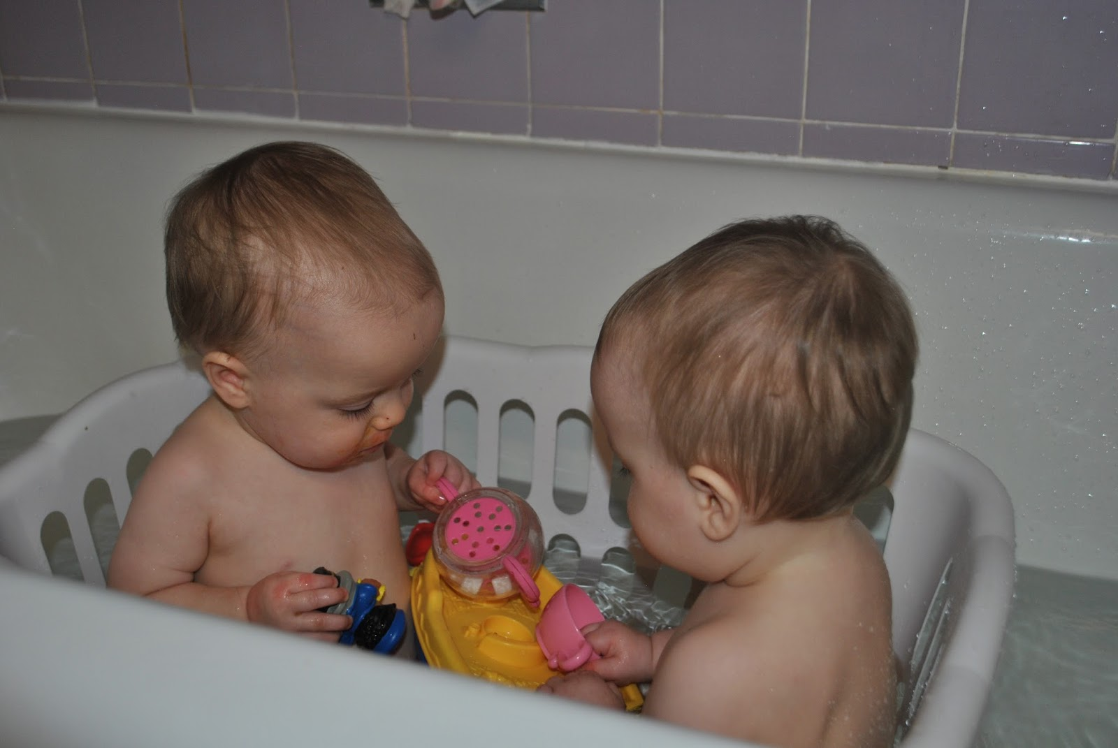 Flack Family of Five: Rub a Dub Dub, two babies in the tub!
