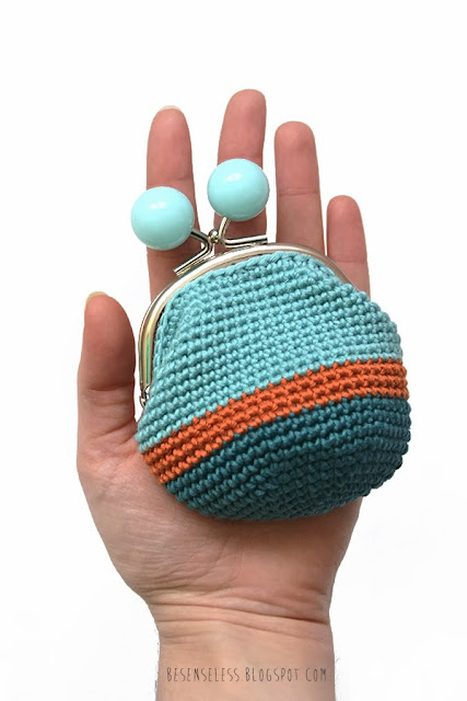 Crochet coin purse - portamonete a uncinetto - besenseless.blogspot.com