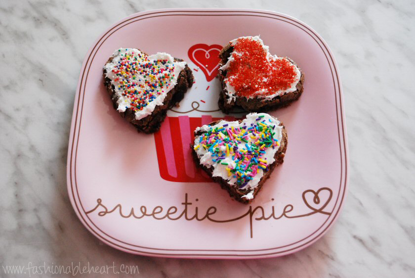 heart brownies sprinkles valentines