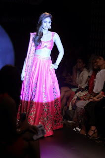 Ileana DCruz Showstopper at LFW 2014 (6).jpg