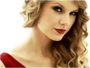 taylor Swift, taylor swift in red lipstick, make up a girl's guilty pleasure, makeup, daily makeup, makeup online store