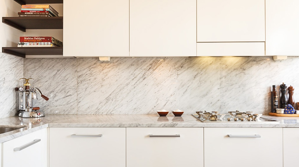 Kok Bankskiva Laminat : bonkskiva kok marmor  studio karin CARRARA SOM SToNKSKIVA OCH