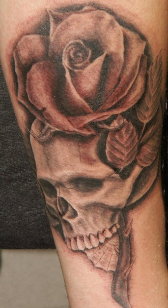 rose and skull tattoo tatto69. Black Bedroom Furniture Sets. Home Design Ideas
