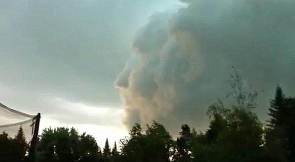 Penampakan Wajah Aneh di Awan Saat Badai di Kanada