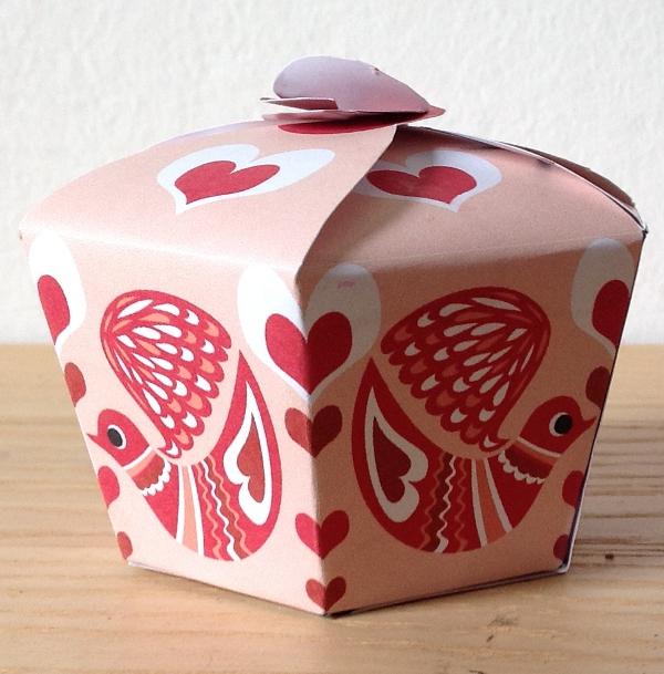 Fabuleux Corte Gaia, il blog: S.Valentine paper box- una scatolina di carta  RK61