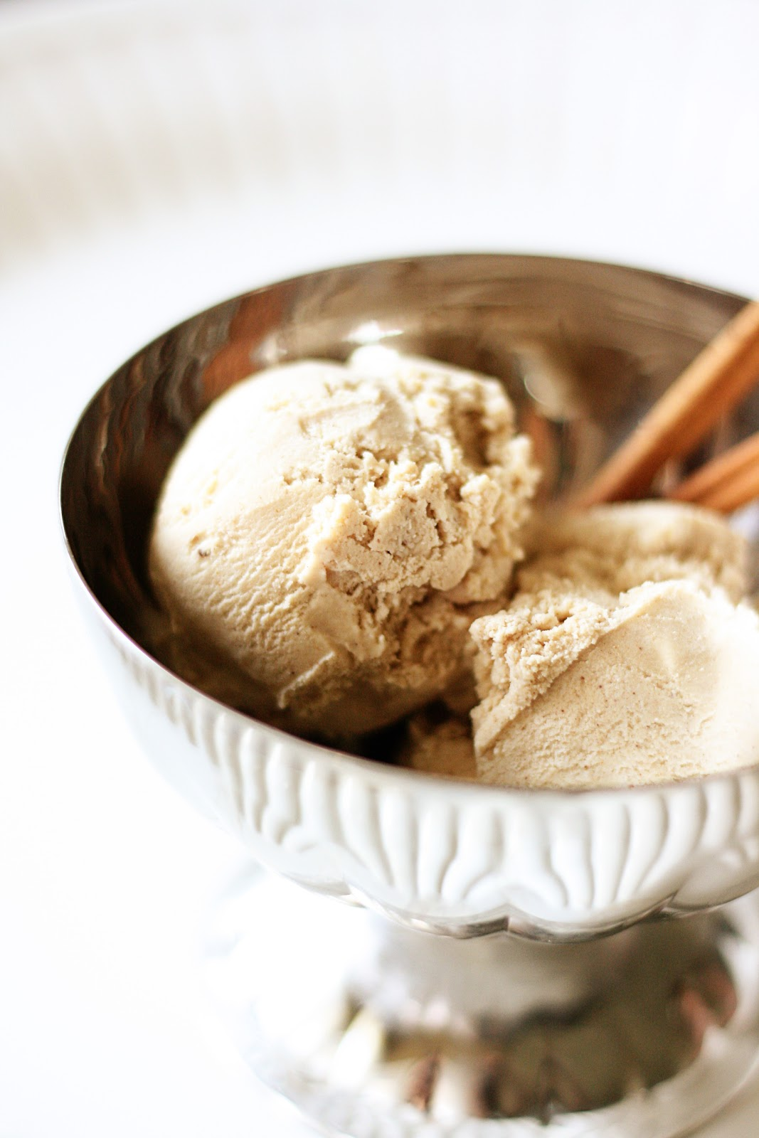 Naughty Carbs: Cinnamon Ice Cream (Low Carb)