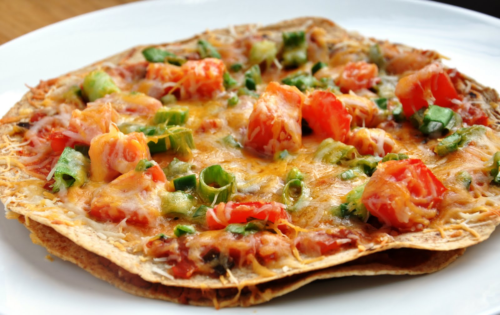 kitchen of recipes: Mexican Tortilla Pizza