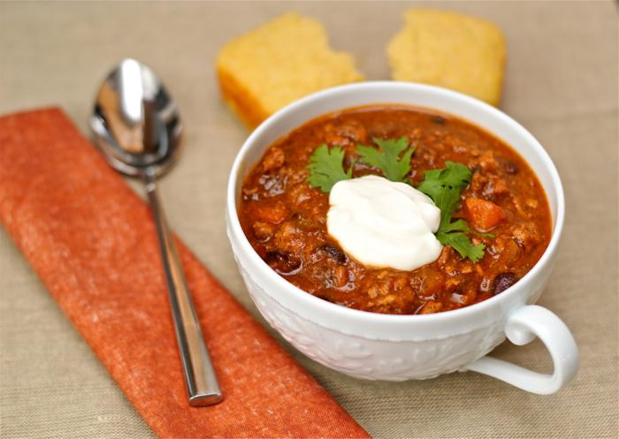 Turkey chili and cornbread