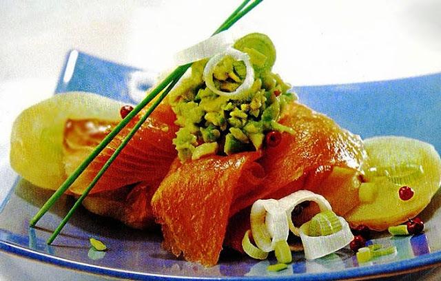 aguacates, ahumada, alimentación, ensalada, ensaladas, receta, salmón, sana
