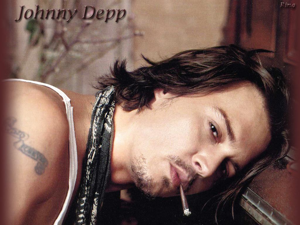http://3.bp.blogspot.com/-wd6_IBy5T8A/Tasw7YdIx4I/AAAAAAAAAvU/vVhHU1RaGGM/s1600/Johnny+Depp+Desktop+wallpaper+4.jpg