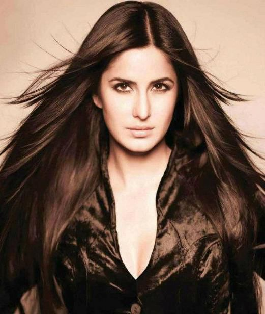 Katrina Kaif Sexy Straight Hair1 - Katrina Kaif looking Stunning - Sexy Hair